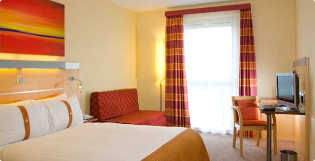 Express by Holiday Inn Epsom Downs Room Image
