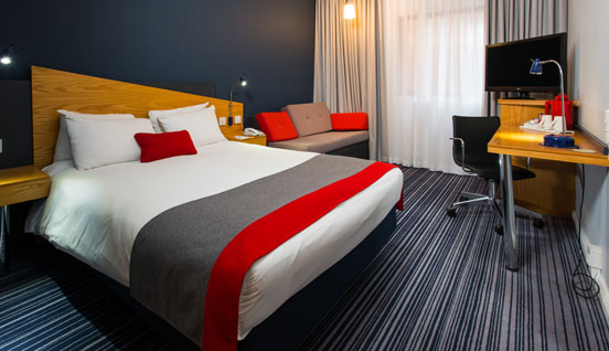 Holiday Inn Express Warwick - Stratford-upon-Avon Room Image